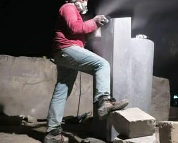 林仁德的石雕藝術                                           Artists who have been persecution by the bureau of culture.Lin Rende's stone carving art